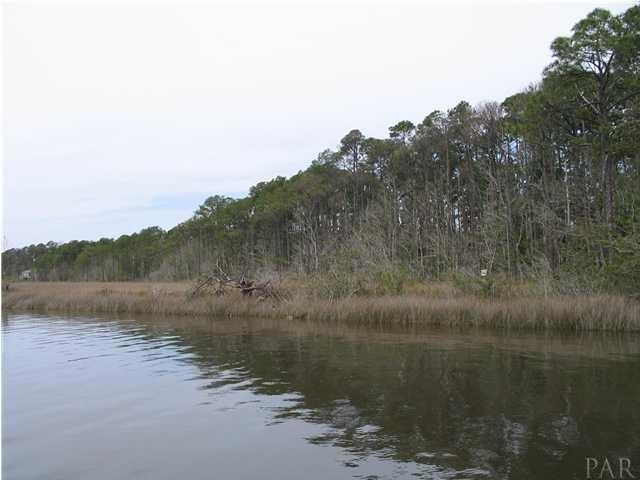 RESIDENTIAL LOTS - NAVARRE, FL (photo 1)