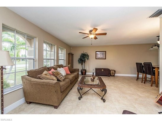4132 Country Club Blvd, Cape Coral, FL - USA (photo 2)