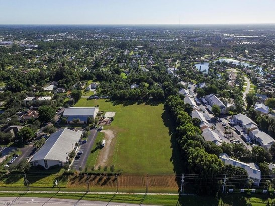 16420 Vanderbilt Dr, Bonita Springs, FL - USA (photo 5)