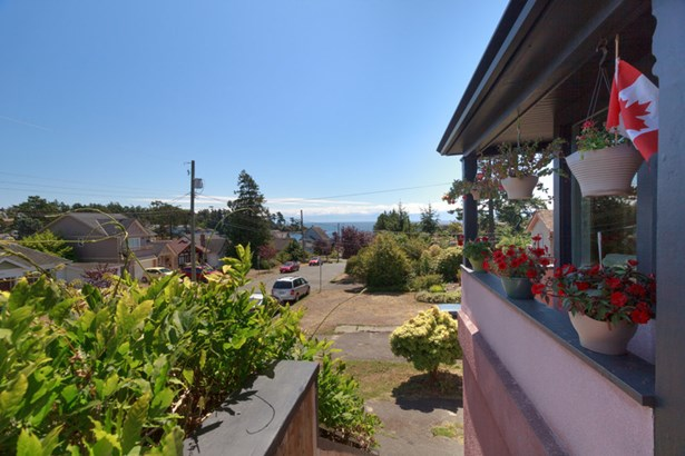 474 Foster Street, Victoria, BC - CAN (photo 4)
