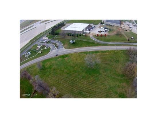 Cross Property - Des Moines, IA (photo 3)