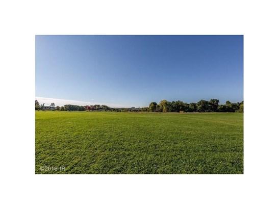 Cross Property - Urbandale, IA (photo 2)