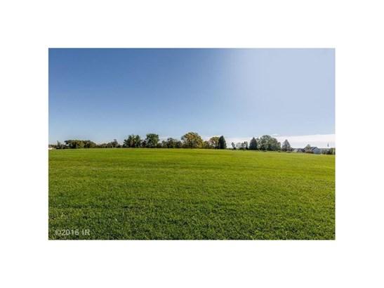 Cross Property - Urbandale, IA (photo 4)
