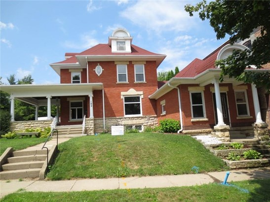 2 Stories, Single Family - Anamosa, IA (photo 1)