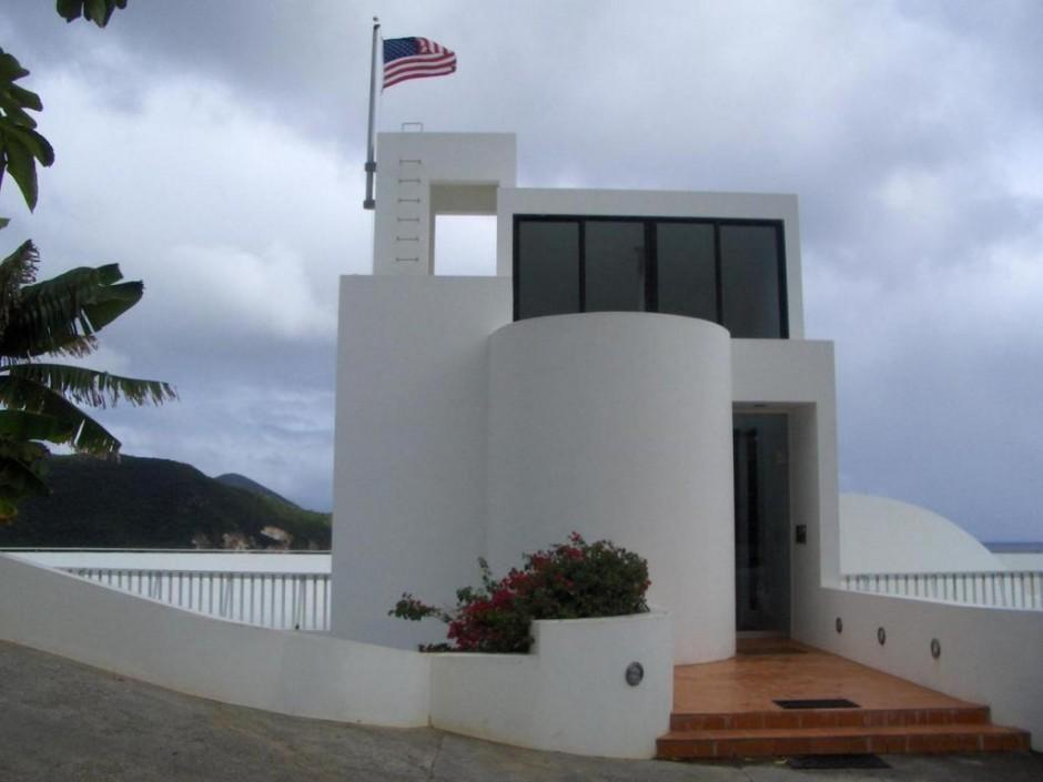 Half Moon House Entrance (photo 5)