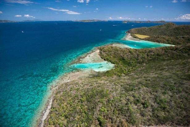 Stunning water views (photo 3)
