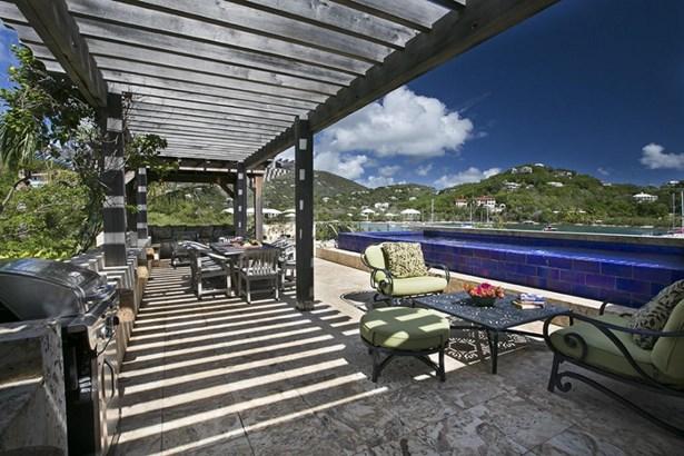 Poolside Lounge Area (photo 3)