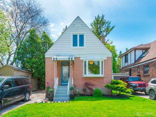 29 Hollydene Rd, Toronto, ON - CAN (photo 1)
