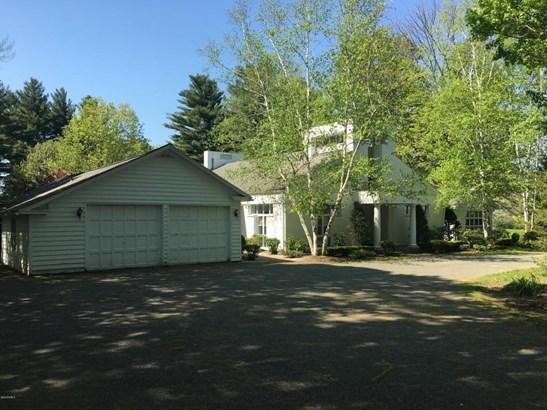 1259 West St, Pittsfield, MA - USA (photo 2)