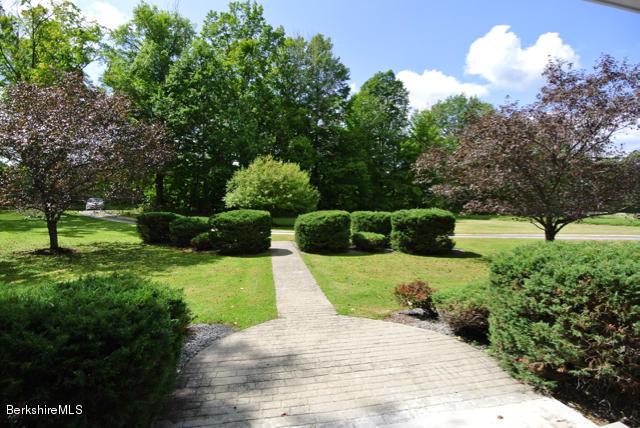 35 Osceola Rd, Richmond, MA - USA (photo 3)