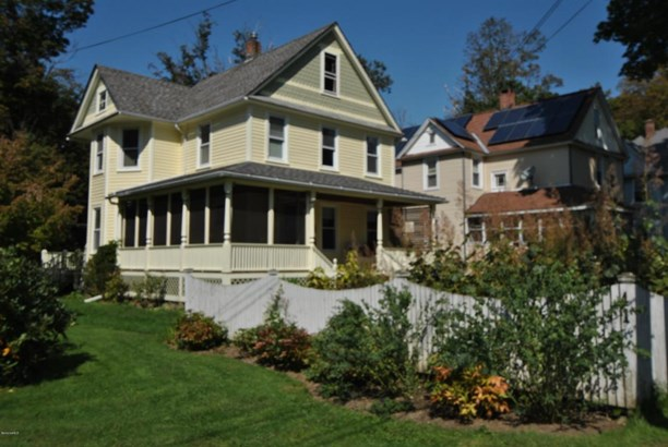 41 Russell St, Great Barrington, MA - USA (photo 3)