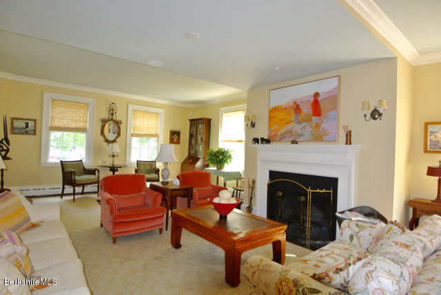 9 Cliffwood St, Lenox, MA - USA (photo 4)