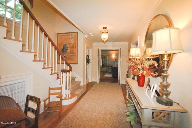 1030 West St, Pittsfield, MA - USA (photo 3)