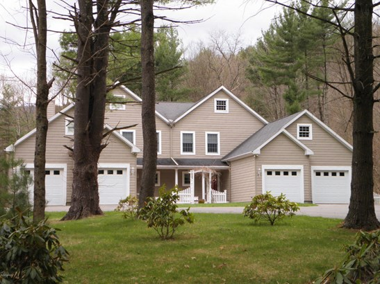 402a Monterey Rd 402a Lake , Great Barrington, MA - USA (photo 1)