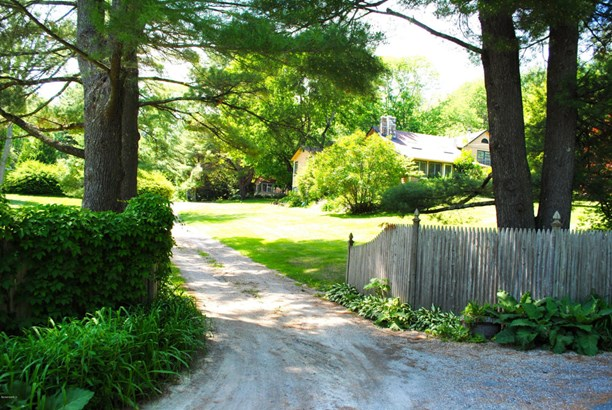 215 Long Pond Rd, Great Barrington, MA - USA (photo 3)