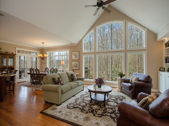 32  Falls View Court, Hendersonville, NC - USA (photo 4)