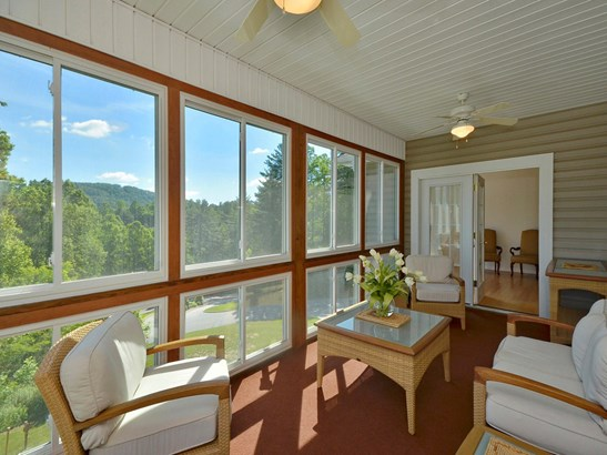 29  Spring Heights Court, Hendersonville, NC - USA (photo 3)
