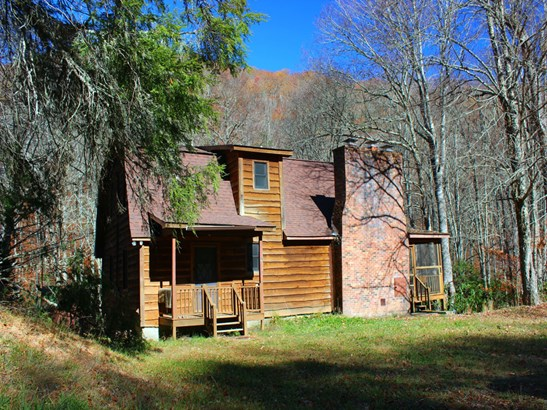 560  Mashstomp Road, Maggie Valley, NC - USA (photo 1)