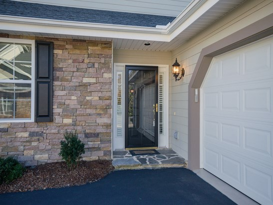 224  Towne Place Drive, Hendersonville, NC - USA (photo 2)
