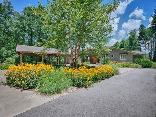 130  Whispering Pines Drive, Waynesville, NC - USA (photo 2)