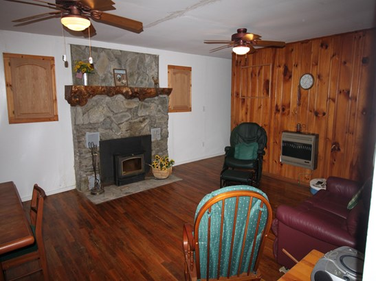 1082  Winter Star Road, Burnsville, NC - USA (photo 2)