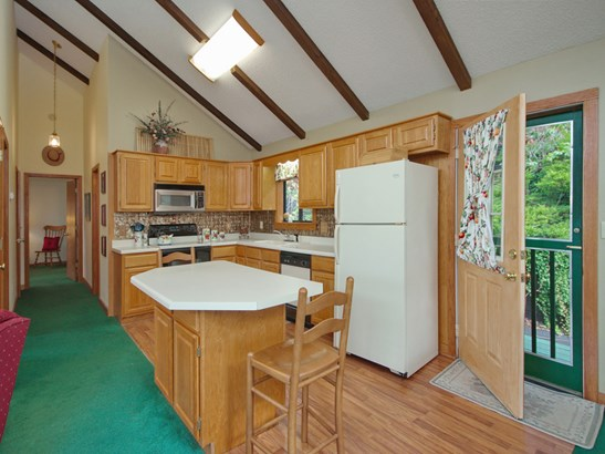 121 Mountain Crest Drive, Maggie Valley, NC - USA (photo 2)