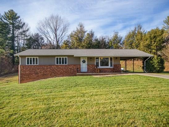 261  Ivy Hill Drive, Waynesville, NC - USA (photo 1)