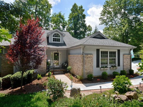 299  Governors Drive, Hendersonville, NC - USA (photo 1)