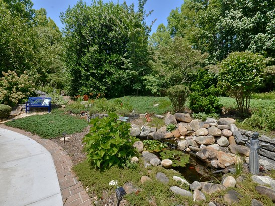 299  Governors Drive, Hendersonville, NC - USA (photo 2)