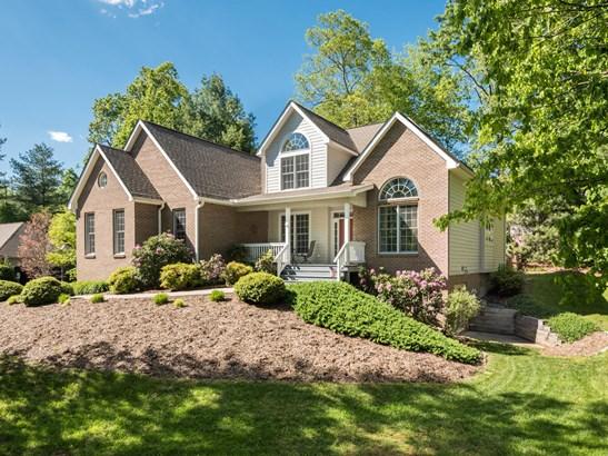 102  Arrowood Lane, Hendersonville, NC - USA (photo 1)