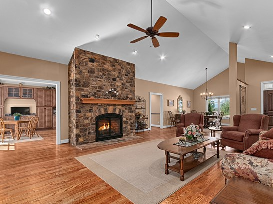 274  Majestic View Court, Hendersonville, NC - USA (photo 3)