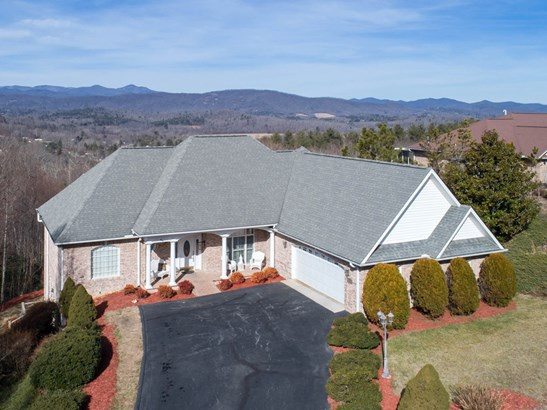361 Mountain Valley Drive, Hendersonville, NC - USA (photo 1)
