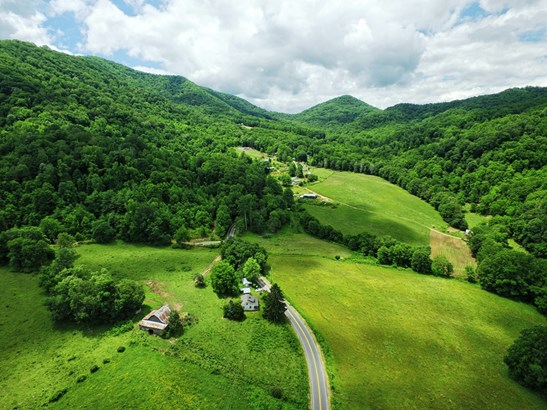 00  Hwy. 209 , Hot Springs, NC - USA (photo 2)