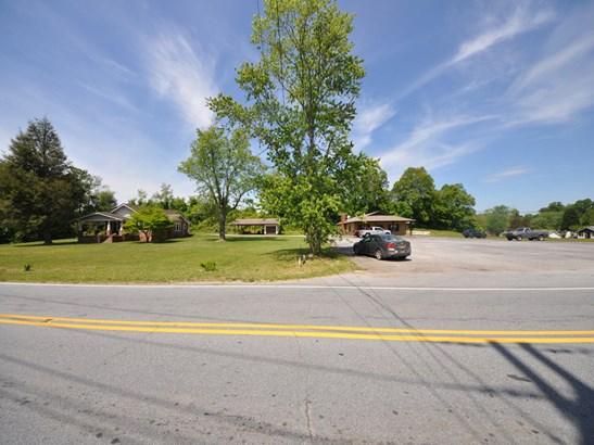 0  North Main Street, Hendersonville, NC - USA (photo 5)