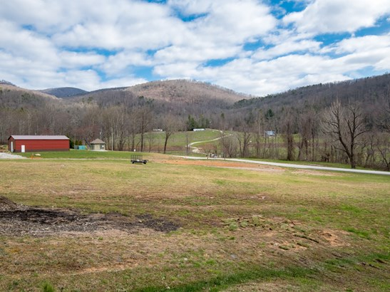 311 Bearwallow Mountain Road, Hendersonville, NC - USA (photo 2)