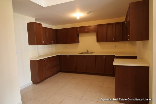 Victoria Keyes 3 bed apartment for sale