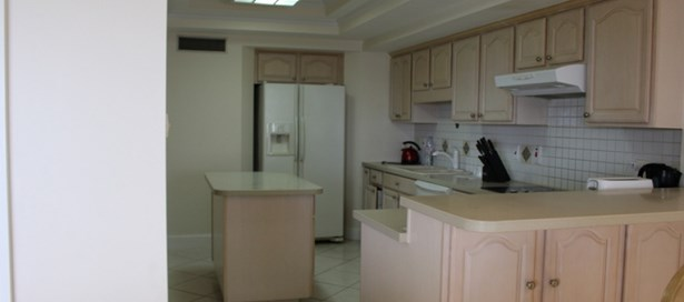 Apartment For Rent Westmoorings (photo 4)