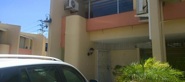 Townhouse For sale Westmoorings (photo 3)