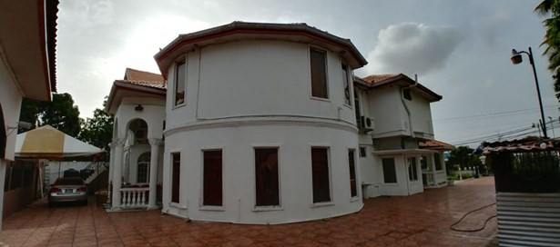 Two Storey House For sale Couva (photo 4)