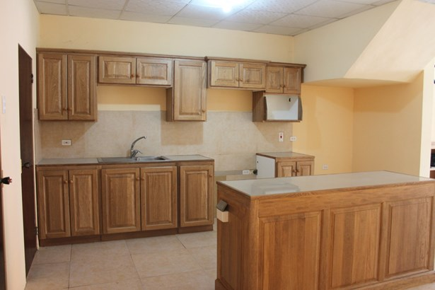 2 Bedroom 2.5 Bathroom Apartment for Rent at Carmody Manors (photo 4)