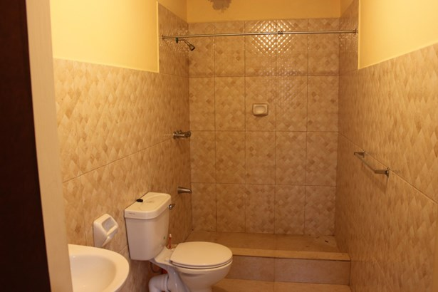 2 Bedroom 2.5 Bathroom Apartment for Rent at Carmody Manors (photo 5)