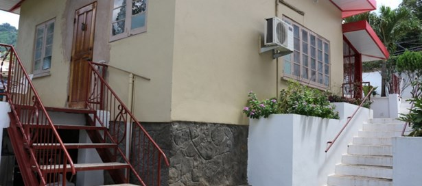 Guesthouse For sale Belmont