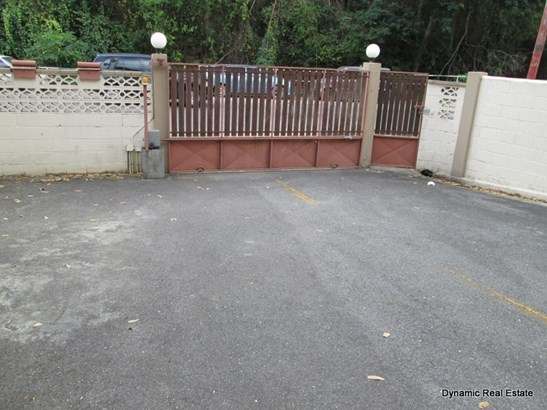St Anns, 3 Bedroom 1 Bathroom Apartment For Sale (photo 2)