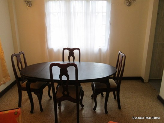 St Anns, 3 Bedroom 1 Bathroom Apartment For Sale (photo 4)
