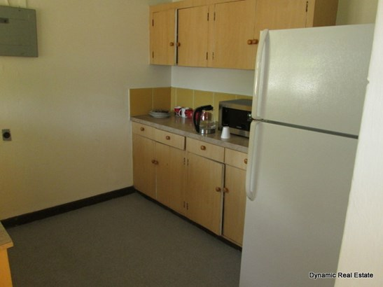 St Anns, 3 Bedroom 1 Bathroom Apartment For Sale (photo 5)