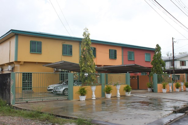 3 Bedroom Apartment within a Gated Townhouse for Rent (photo 1)