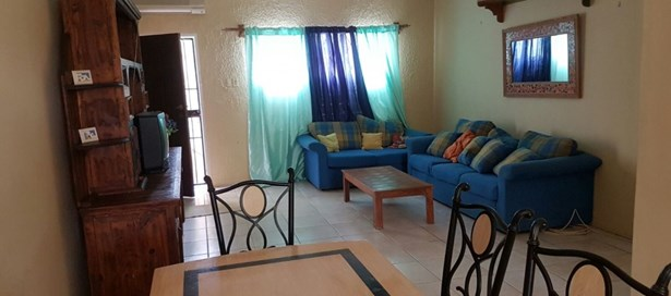 Townhouse For Sale in Westmoorings (photo 1)