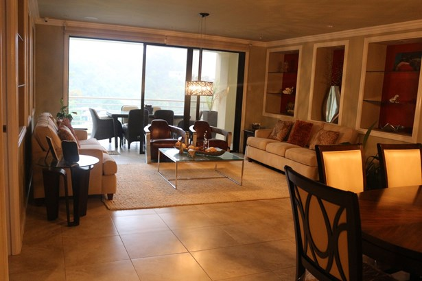 Falcon Height Executive apartment for sale (photo 1)