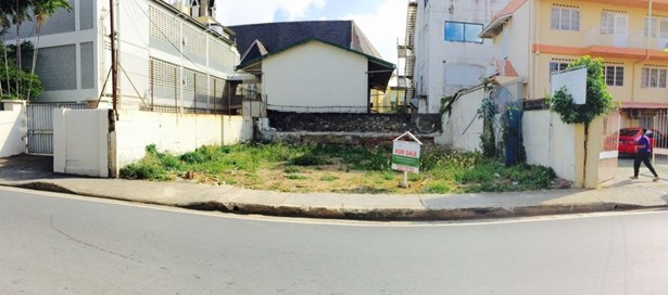 Land For sale Port of Spain (photo 2)