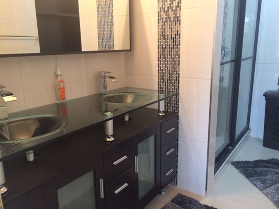 For Rent- Bayside Towers (photo 3)